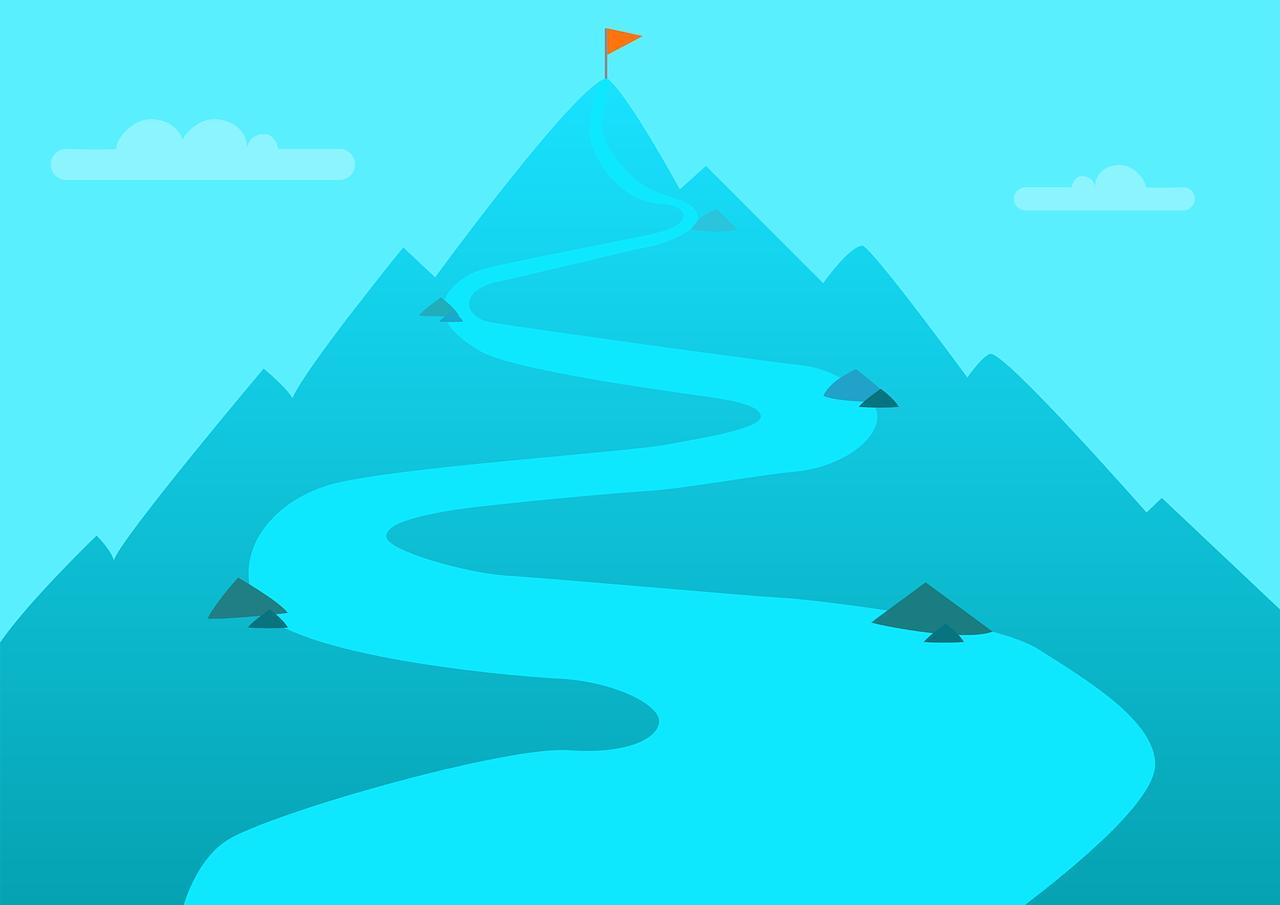 Steigender Weg hoch auf Berg